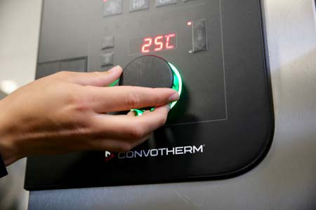 convotherm_combi_oven_hygienic_solutions_easyDial.jpg